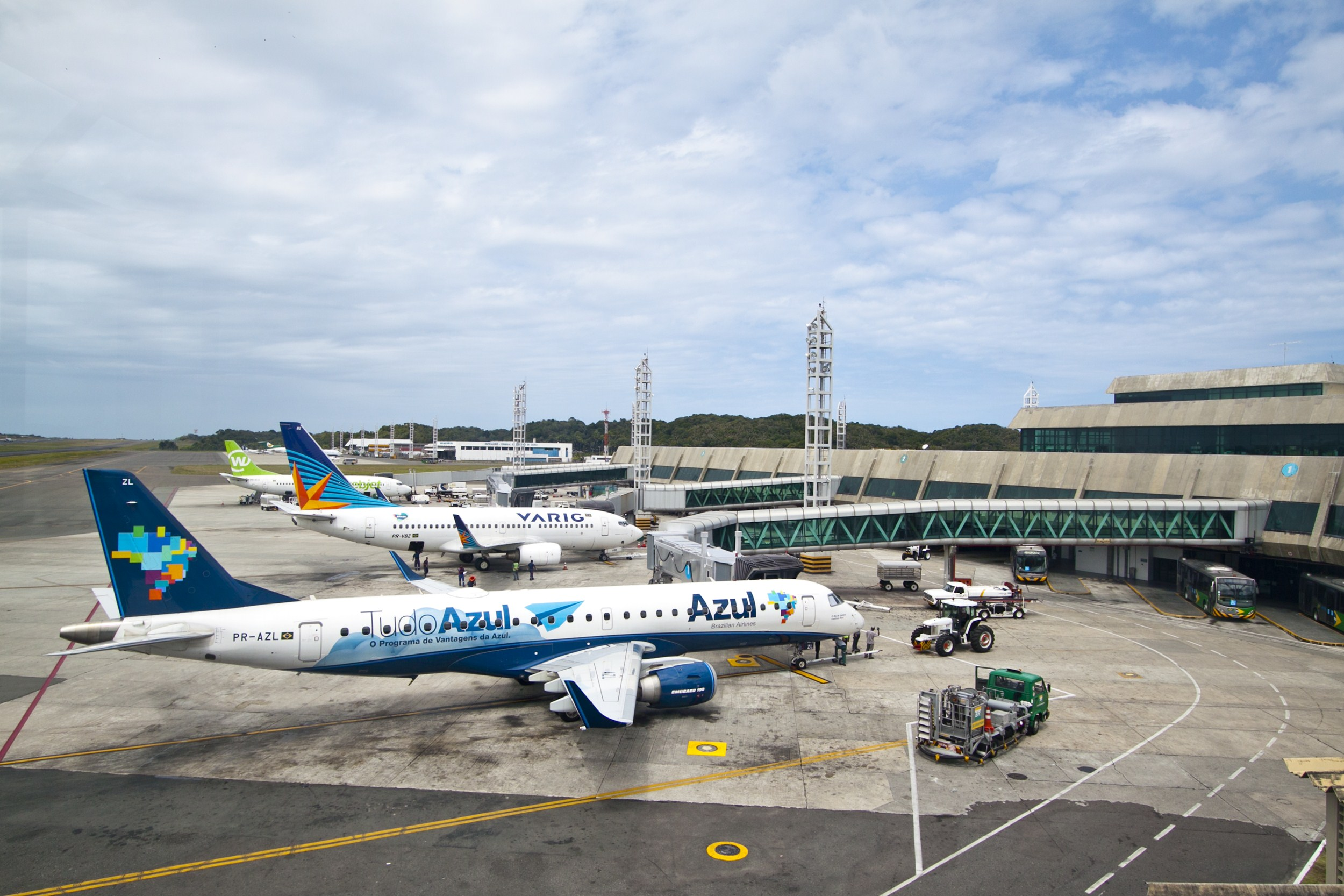 Aeroporto De Salvador : Edital para privatização do aeroporto de salvador deve ser