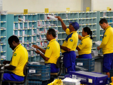 Correios tiveram prejuízo de R$ 2,1 bilhões em 2015