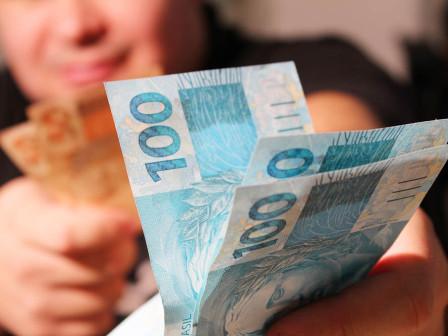 Governo diz que uso do FGTS no crédito consignado pode conter endividamento