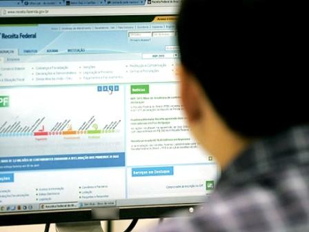 Empresas têm até segunda para entregar comprovante de rendimento a trabalhadores