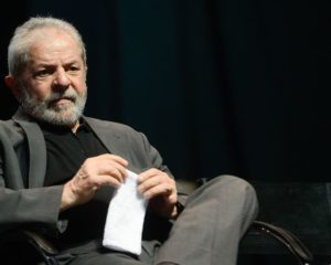 Pesquisa aponta que 65,6% não votariam em Lula preso