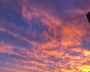 Pôr do Sol desta quinta-feira pinta o céu de Salvador de dourado