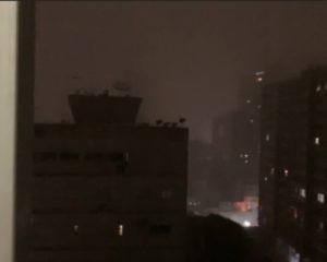 Leitores do Toda Bahia enviam vídeos mostrando chuva forte e raios em Salvador