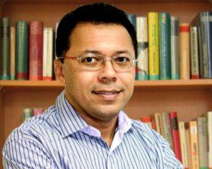 Reitor da Uefs compara Rui com Bolsonaro e ainda não foi renomeado