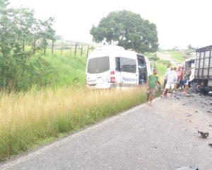 Acidente grave mata oito pessoas na estrada Feira-São Gonçalo