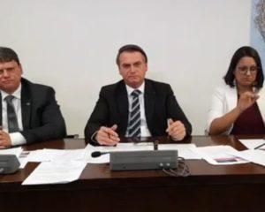"""""""O dinheiro não é meu nem de Rui Costa, ele é do povo"""", diz Bolsonaro sobre novo aeroporto de Conquista"""