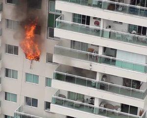 Vídeo: apartamento de luxo ao lado do Salvador Shopping pega fogo