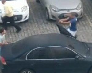 Vídeo: Briga de policiais por vaga de estacionamento em condomínio em Sete de Abril termina com tiro